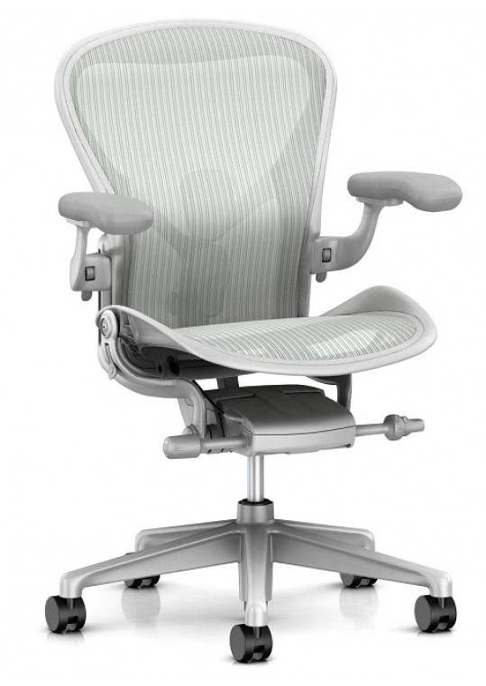 Aeron Remastered Mineral Front